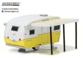 GreenLight - Winnebago  - gl34030F : 1/64 Shasta Airflyte with Awning *Hitched homes series 2*, white/yellow
