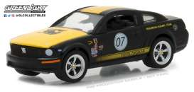 Ford  - 2008  - 1:64 - GreenLight - gl29919 | The Diecast Company