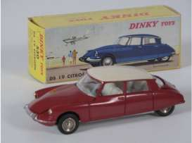 Citroen  - DS 19 red - 1:43 - Magazine Models - 2267001 - magDT2267001 | The Diecast Company