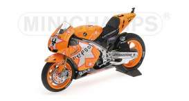 Honda  - 2011 orange - 1:12 - Minichamps - 122111204 - mc122111204 | The Diecast Company