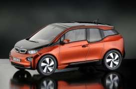 BMW  - solar orange - 1:43 - iScale - iscale430014OR | The Diecast Company