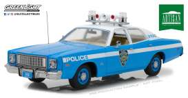 Plymouth  - Fury 1975 blue/white - 1:18 - GreenLight - 19043 - gl19043 | The Diecast Company
