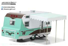 Winnebago  - 1964 green/white - 1:24 - GreenLight - gl18430B | The Diecast Company
