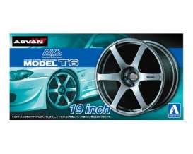 Aoshima - Wheels & tires  - abk153799 : 1/24 AVS Model T6 19inch, plastic modelkit