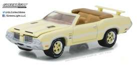 Oldsmobile  - 1972 various - 1:64 - GreenLight - gl37130F | The Diecast Company
