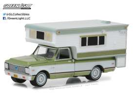 GreenLight - Chevrolet  - gl29921 : 1972 Chevrolet C10 Cheyenne with Large Camper (Hobby Exclusive)