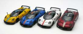 Pagani  - 2017 various - 1:36 - Kinsmart - KT5400DF | The Diecast Company