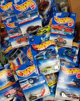 Assortment/ Mix  - various - 1:64 - Hotwheels - 5785 - mat5785 | The Diecast Company