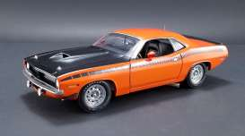 Acme Diecast - Plymouth  - acme1806106 : 1970 Plymouth Barracuda AAR, vitamin c orange/black