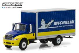 International  - Durastar Box Van *Michelin Tir 2013 blue/yellow - 1:64 - GreenLight - gl33120C | The Diecast Company