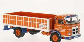 Pegaso  - 1970 white/red - 1:43 - IXO Models - ixtru017 | The Diecast Company