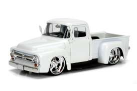 Jada Toys - Ford  - jada99043W : 1956 Ford F-100 Pick-up, pearl white