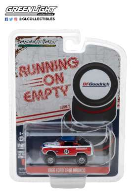 Ford  - Baja Bronco 1966 red/white - 1:64 - GreenLight - 41050C - gl41050C | The Diecast Company