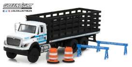 International  - 2017 white/blue - 1:64 - GreenLight - gl45030B | The Diecast Company