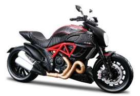 Ducati  - black/red - 1:12 - Maisto - mai39196 | The Diecast Company