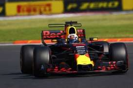 Red Bull Racing   - 2017  - 1:43 - Minichamps - mc417171833 | The Diecast Company