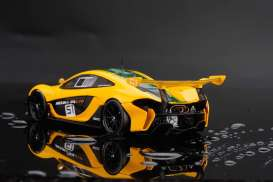 McLaren  - 2015 yellow/green - 1:18 - Almost Real - ALM840102 | The Diecast Company