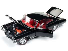 Chevrolet  - 1967 black - 1:18 - Auto World - AMM1129 | The Diecast Company