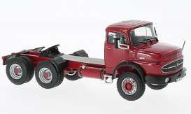 Mercedes Benz  - dark red - 1:43 - IXO Models - ixTR015 | The Diecast Company