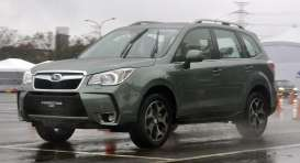 Subaru  - Forester 2.0TX 2013 jasmine green metallic - 1:18 - SunStar - sun5601 | The Diecast Company