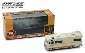 Winnebago  - Chieftain *Walking Dead* 1973 creme - 1:43 - GreenLight - 86543 - gl86543 | The Diecast Company
