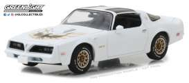 Pontiac  - Firebird Trans Am 1977 cameo white - 1:43 - GreenLight - 86331 - gl86331 | The Diecast Company