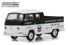 Volkswagen  - T2 Double cab pick-up 1968 black/white - 1:64 - GreenLight - 41060C - gl41060C | The Diecast Company