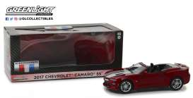 Chevrolet  - Camaro SS Convertible 2017 garnet red tintcoat - 1:24 - GreenLight - 18245 - gl18245 | The Diecast Company
