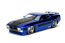 Ford  - Mustang Mach I V-spek 1973 candy blue/black - 1:24 - Jada Toys - jada99971b | The Diecast Company