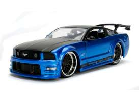 Ford  - Mustang GT 2006 blue - 1:24 - Jada Toys - jada99973b | The Diecast Company