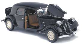 Citroen  - Traction 11CV 1937 black - 1:18 - Solido - 1800903 - soli1800903 | The Diecast Company