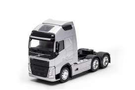 Volvo  - FH 3-axle 2016 silver - 1:32 - Welly - welly32690Ls | The Diecast Company