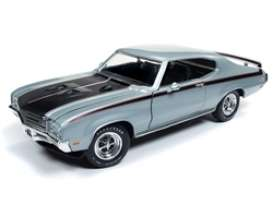 Buick  - GSX Hardtop 1971 silver/black - 1:18 - Auto World - AMM1138 | The Diecast Company
