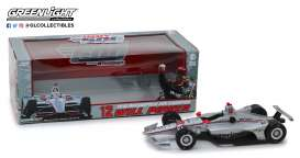 Chevrolet  - 2018 silver/red - 1:18 - GreenLight - 11046 - gl11046 | The Diecast Company