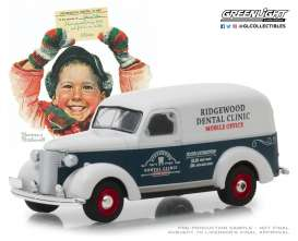 Chevrolet  - Panel Truck 1939 blue/grey - 1:64 - GreenLight - 37150A - gl37150A | The Diecast Company