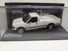 Chevrolet  - LUV white - 1:43 - Magazine Models - Ope109 - MagOpe109 | The Diecast Company