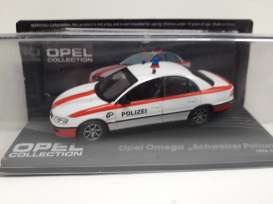 Opel  - Omega white/red - 1:43 - Magazine Models - Ope117 - MagOpe117 | The Diecast Company