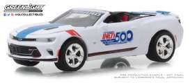 Chevrolet  - Camaro 2018 white/blue - 1:64 - GreenLight - 30003 - gl30003 | The Diecast Company