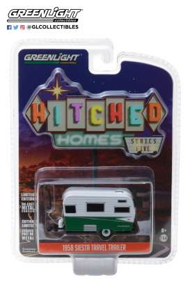 Siesta Travel Trailer  - 1958 white/green - 1:64 - GreenLight - 34050A - gl34050A | The Diecast Company