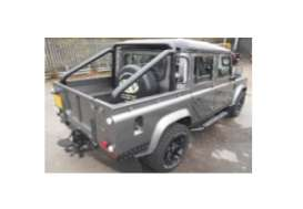 Land Rover  - Defender  grey/black roof - 1:18 - Universal Hobbies - UH3892 | The Diecast Company