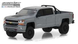 Chevrolet  - Silverado 2018 grey - 1:64 - GreenLight - 35110F - gl35110F | The Diecast Company