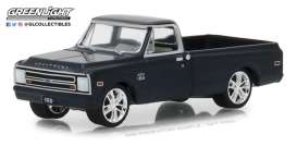 Chevrolet  - C10 1967 blue - 1:64 - GreenLight - 29974 - gl29974 | The Diecast Company