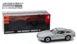 Chevrolet  - Corvette C4  1984 silver metallic - 1:18 - GreenLight - 13534 - gl13534 | The Diecast Company