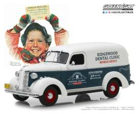 Chevrolet  - Panel Truck 1939  - 1:24 - GreenLight - 18249 - gl18249 | The Diecast Company