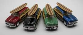 Ford  - Woody Wagon  1949 various - 1:36 - Kinsmart - 5402DS - KT5402DS | The Diecast Company
