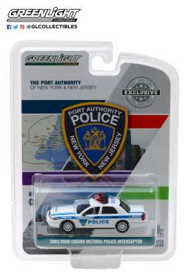 Ford  - Crown Victoria 2003 white/blue - 1:64 - GreenLight - 30010 - gl30010 | The Diecast Company