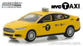 Ford  - Fusion 2013 yellow - 1:64 - GreenLight - 30011 - gl30011 | The Diecast Company
