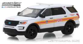 Ford  - Police Interceptor Utility 2017 white/red - 1:64 - GreenLight - 30012 - gl30012 | The Diecast Company