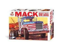 Mack  - DM800  - 1:25 - MPC - 899 - mpc899 | The Diecast Company
