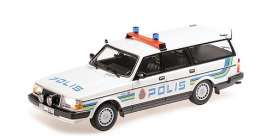 Volvo  - 240 GL 1986 white/blue - 1:18 - Minichamps - 155171480 - mc155171480 | The Diecast Company